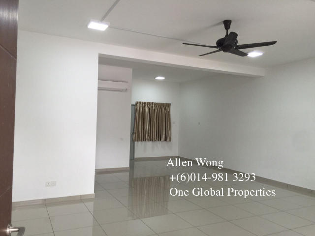 setia tropika 2 storey for rent Photo 1