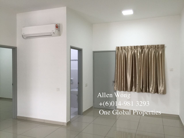 setia tropika 2 storey for rent Photo 2