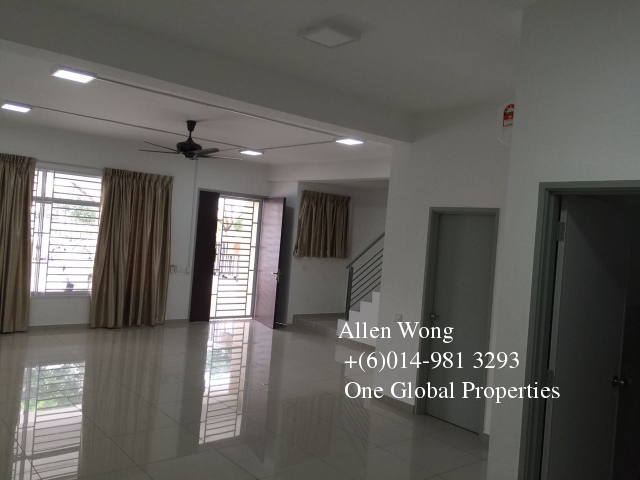 setia tropika 2 storey for rent Photo 3