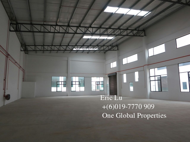 gelang patah 1.5t semi d factory setia business park Photo 5